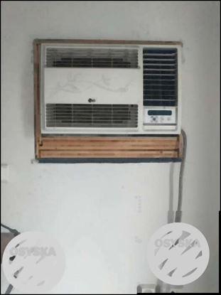 LG window 1.5 ton ac excellent condition
