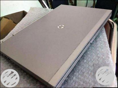 Hp elitebok 8gb ram+1000gb hdd+i5 processor+2gb graphics