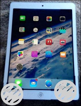 Apple ipad Air , 16GB, wifi only, year old